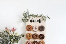 Donut wall / Der Trend dieses Jahr für Hochzeiten und Sweet table: Eine Wand voller Donuts.