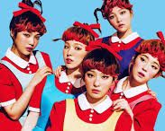 Red Velvet / Table set for Red Velvet , one of my groups of K- pop favorites! My female UB are Yeri , Irene and Joy ! ^^