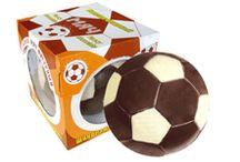 Шоколад фигурный. / Мы можем удивить даже настоящих сладкоежек. В линейке продукции фабрики «Славянка» есть шоколадные фигурки весом до 10 кг. Например, набор «Шоколадное яйцо», в который входит яйцо весом 9,3 кг. и красивая плетеная корзинка. Для любителей спорта тоже найдется прекрасный сувенир. Это шоколадные плитки, выполненные в форме мячей: футбольного и волейбольного.