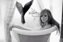 Mermaid and the Clawfoot Tub
