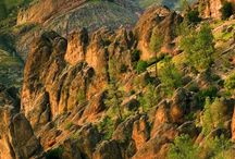 Volcanic slopes in Pinnacles National Park, California #HeathrowGatwickCars.com