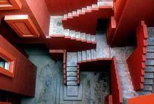 Treppen/-häuser / Überwältigt von der Architektur