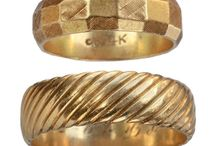 Plain gold ring she wore