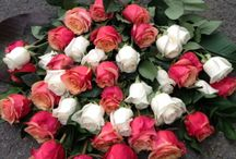 Funeral Decoration / A heartwarming selection of floral arrangements for funerals or other meaningful events