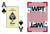 Poker kaarten / Speelkaarten met een poker size afmeting (63 mm x 88 mm). En echt pokerkaarten gemaakt van 100% plastic.