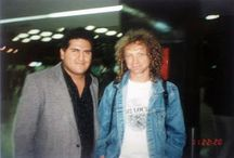Lou Gramm in jeans