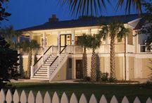 Retro Sullivan's Beach Cottage