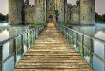 hrady, zámky...