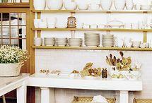 Bucket List - Beach House - Kitchen / by Georgie Kearns