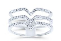 Beautiful Diamond Fashion Rings / Beverly Diamonds has a large collection of affordable and beautiful diamond fashion rings for you. You can find all the rings that suite your style. Shop our stunning Fashion Ring Today!