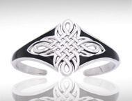 Celtic Maori / Peter Stone the world's leading manufacturer of fine sterling silver jewelry has created the Celtic Knotwork Collection to celebrate Celtic Heritage and capture the intricate knotwork designs that have inspired mankind for ages.