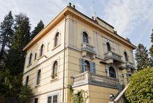 VENDITA - Villa d'epoca sul Lago Maggiore / Stresa, provincia di Verbania, in posizione dominante sul Lago Maggiore, fronte Isole Borromee, immersa in parco di 5000 mq, proponiamo in vendita, con incarico di mediazione in esclusiva, Villa d'epoca in stile Deco'.