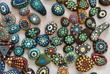 Taş mandala stone art