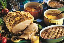 Lämpimät ruoat / Main courses for Christmas / Perinteisiä liha, lintu ja kala-reseptejä, mutta myös uusia tuttavuuksia,joita kannattaa kokeilla joulupöytään! Osa resepteistä sopii myös illanistujaisiin ennen joulua, tai uudenvuoden päivällisille joulun jälkeen.