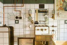 Kitchens / by Fallon Stewart