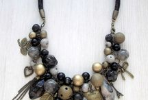 kalung batu
