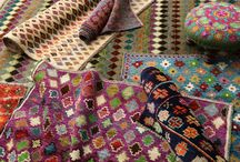 Balooch / Kilims come in a variety of patterns and colours. The patterns are mostly rectangular or flowery with pointed features which have to do with the weaving technique used. There is currently a high demand for Kelims as they are ideally suited in stylish, minimalist environments. They also look befitting in many homes thanks to a wide range of applications. When manufacturing Kelims only natural materials are used