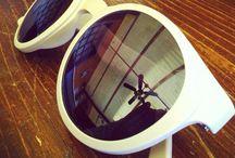 Fullspot Sunglasses / Ironia, creatività e design. Occhiali da sole composti da tre elementi intercambiabili tra di loro: le lenti, la montatura e le stanghette.