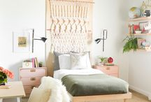 *TEEN GIRL BEDROOM DECO* / Teenagers really know what they like and don't like, so here's some cool teen girl bedroom ideas to help you and your daughter create a really stylish space.