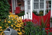 Cottage Style Gardens / Inspiration and affordable ideas for colorful gardens