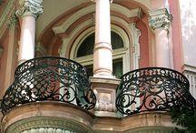 Balconis