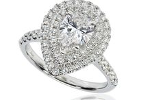 Pear shape engagement rings