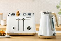 Breakfast Matching Sets / Pair a Morphy Richards kettle with a matching toaster for the ultimate kitchen statement. Make a visual impact that is suited to fulfil any modern home's need, for breakfast or any other time.