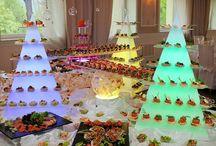 Www.pykadekor.pl / Piramidy ledowe które  w piękny sposób wyeksponują bufety deserowe  i zimne