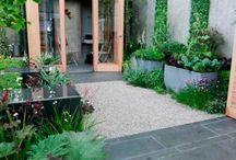 courtyards & walled gardens