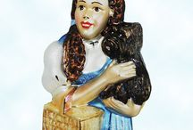 The Wizard of Oz / SundryShop.com carries a range of Wiazard of Oz collectibles, including Radko Ltd European glass ornaments that capture the representations of the 1939 MGM movie characters, Judy Garland as Dorothy, Terry as Totothe Dog, Ray Bolger as the Strawman, Bert Lahr as the Lion, and Jack Haley as the Tin Man, Billie Burke as Glinda the Good Witch, Margaret Hamilton as the Wicked Witch of the West.  ONe of the most beloved fantasy films every made!