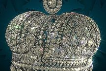 Crowns & royal jewels