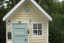 playhouses and sheds / by Diane Dunn