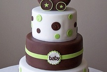 cakes & cupcakes / by Marie-France Bourgon