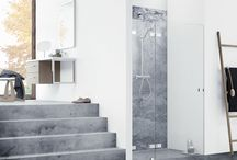 Airy bathrooms / Decorate your bathroom with clean lines and a sensation of free-floating furniture.