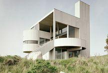 Modern architecture / Gaudi, Hundertwasser, le Corbusier