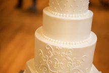 Beach Wedding Cake Designs / Who doesn't love an amazing cake ... mmm, cake. Here are some ideas to get your taste buds going.