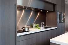 Contemporary Kitchen / Kitchens with a contemporary modern look