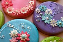 cookies/ cakes / fontant cakes