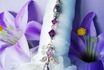 Wedding Bouquet Charms / Swarovski Crystal and Pearl Bridal Bouquet Charms from www.crystalbluedesigns.com