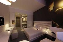Hôtel / Accomodation / Une sélection de nos plus beaux hébergements. Possibilité de réserver  en ligne via le site Nantes-Tourisme.