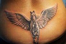 ***ΠΗΓΑΣΟΣ*** / Ο Πήγασος ήταν το φτερωτό άλογο της Ελληνικής Μυθολογίας, για τον οποίο, αν και ο Όμηρος δεν τον αναφέρει, υπάρχουν οι ακόλουθες παραδόσεις: 1. Όταν ο Περσέας α