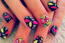 Nails8)