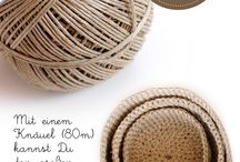 Crocheting with different materials / Paketschnur