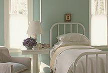 Bedrooms / by Nikki Hepworth