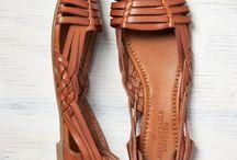 leather sandal pumps