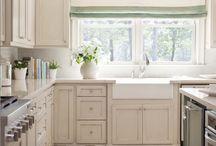 kitchens / by Marissa Noe