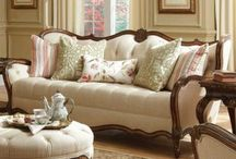TRENDS - FURNITURE MARKET / What's New at the Furniture Market!