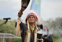 Cérémonie Comanches - 9 juin 2014 / Pour la première fois, une cérémonie a été organisée en hommage aux 14 Amérindiens de la tribu comanches, les Code Talkers, qui ont participé au Débarquement à Utah Beach.