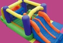 Alquiler castillos hinchables  / Alquilamos castillos hinchables en Madrid y organizamos fiestas infantiles, decoración para fiestas.