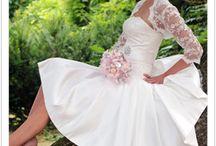tea length and vintage wedding dresses / wedding dress